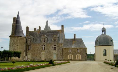 Castle-Rochers-Sevigne1.jpg