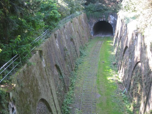 paris,montsouris,train,locomotive,rer,tunnel